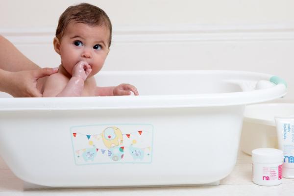 baby's bath essential